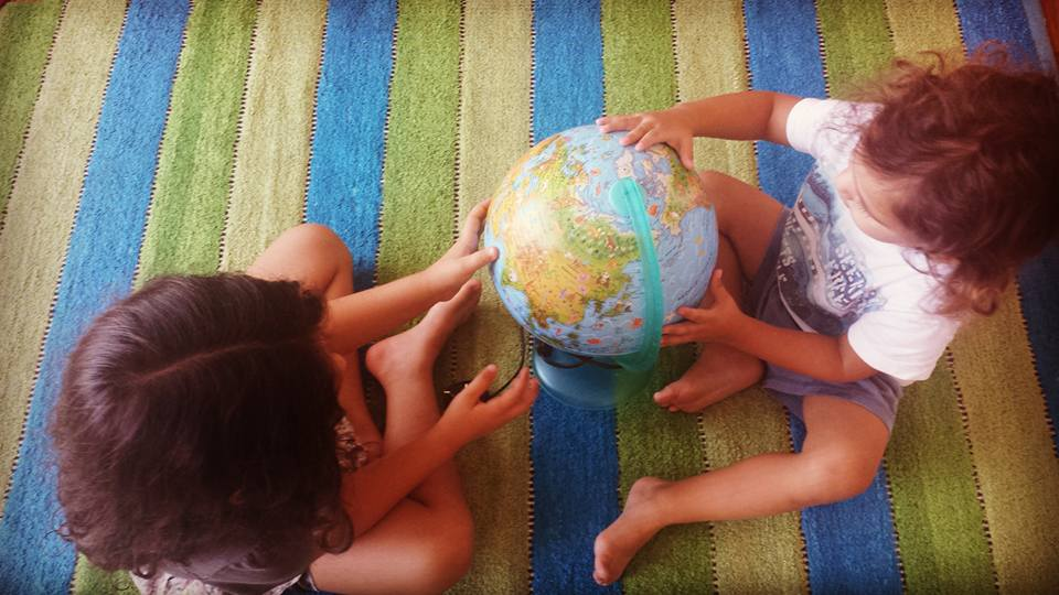 How to Handle an International Move with Expat Kids